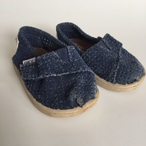 2/$12⛱ TOMS little baby shoes blue hard bottom